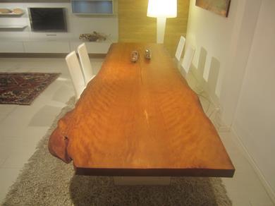 Riva1920 tavolo Kauri Millenario