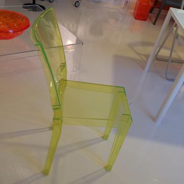"""Kartell, sedia """"La Marie"""" di Philippe Starck."""