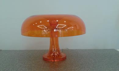 Lampada tavolo NESSINO di Artemide in promozione