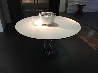 Tavolo dining table 121cm