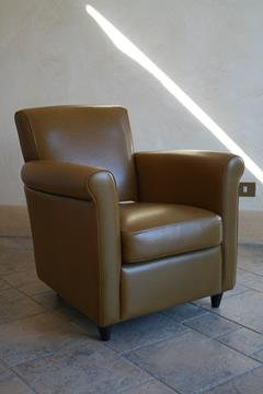 POLTRONCINA IN PELLE