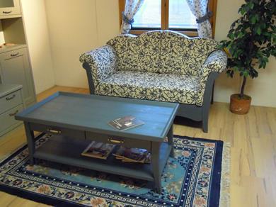 Tavolino in abete massiccio