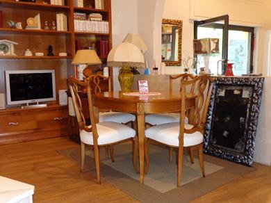 Tavolo ovale allungabile con 4 sedie