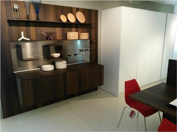 "Cucina Euromobil ""Kubic"" vetro e rovere in promo. 0"