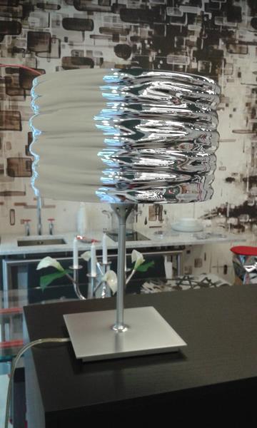 Lampada tavolo AQUA CIL di Artemide in promozione
