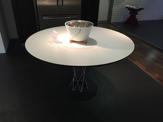 Tavolo dining table 121cm