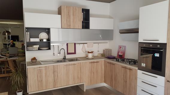 Cucina LUBE modello SWING