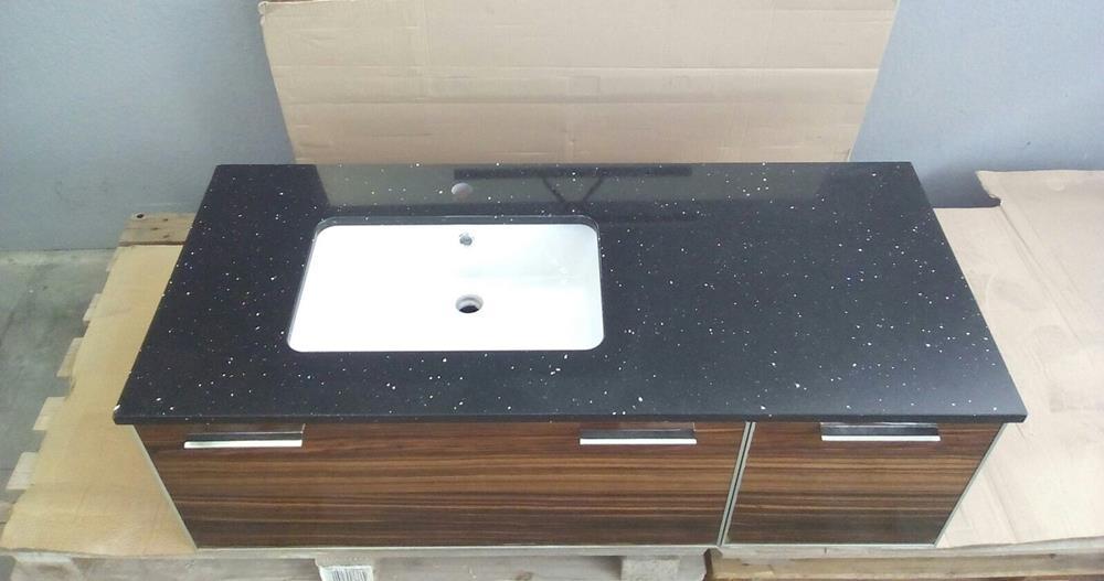 mobile bagno in Wengé con piano in okite nero