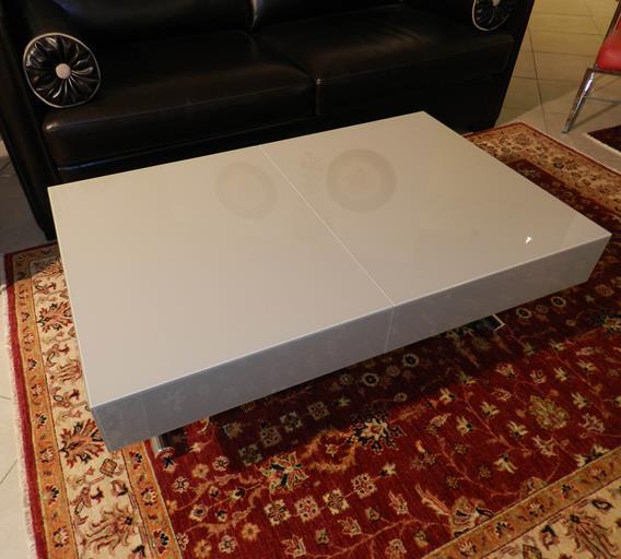 """Tavolo trasformabile """"Box"""" in cristallo"""