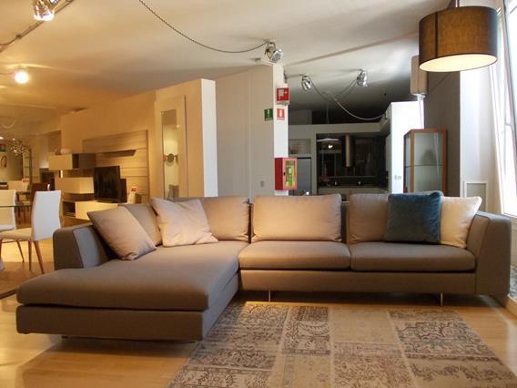divano moderno in tessuto mod.Cortina