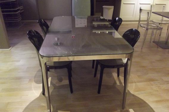 MAGIS VANITY TABLE & VANITY CHAIRS